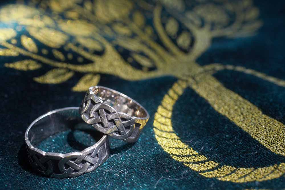 Celebrate Your Love With Symbolic Celtic Wedding Bands