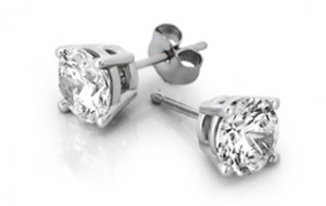 stud_earrings