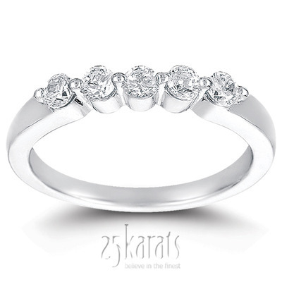 5 Stone Contemporary Single Prong Shared Diamond Anniversary Ring (0.35 ct. tw)