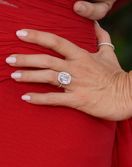 Sofia Vergara Engagement Ring Diamond Pictures