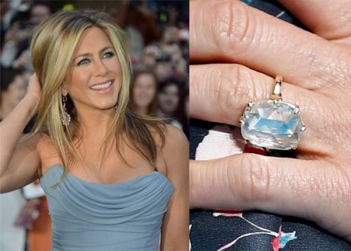 a year and a half after falling for each other theroux popped the question with a whopping 8 carat radiant cut diamond engagement ring in august 2012 - Jennifer Aniston Wedding Ring